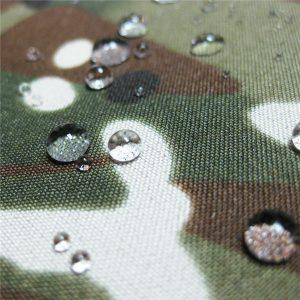 teflon 100% polyester vævet vandtæt udendørs militært kamouflage regnjakke stof