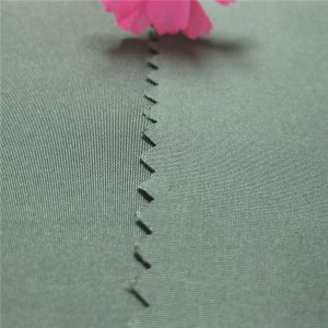 varmt salg pongee stof 100% polyester garn farvet pongee stof 190t